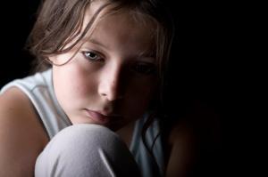 რა არის ტიკური აშლილობა და როგორ დავეხმაროთ ტიკური აშლილობის მქონე ბავშვს?