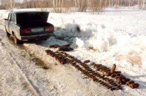 რუსეთში კურგანის ოლქში,   საგზაო პოლიციამ გააჩერა მსუბუქი მანქანა, რომელსაც საბარგულით გადაჰქონდა საარტილერიო ჭურვები