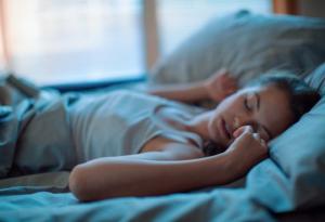 რატომ ვკრთებით ძილში? ეს ბევრმა თქვენგანმა არ იცის