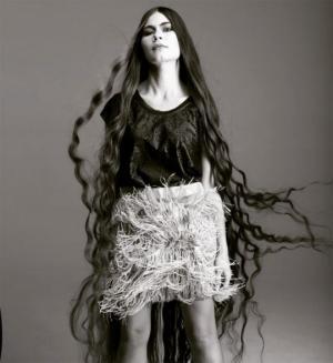 27 წლის ყირიმელი გოგონა,რომელიც 20 წელია თმას იზრდის