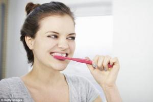 იცოდით?-კბილის საცხი ასუქებს. ცნობილი დიეტოლოგების უცნობი რჩევები