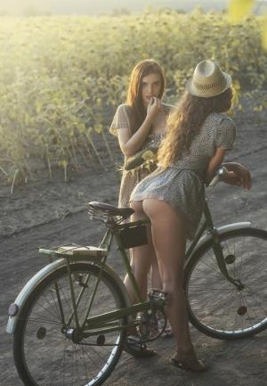 მსუბუქი ეროტიკის და ქალის უბიწოების ჰარმონიული ნაზავი-უკრაინელი ფოტოგრაფის არაჩვეულებრივი ნამუშევრები