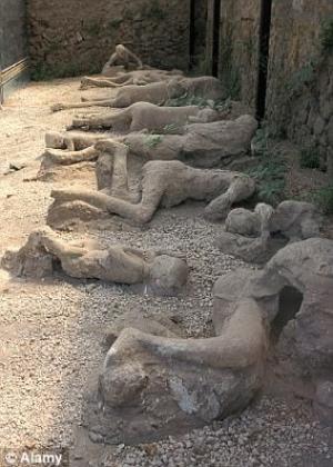 არქეოლოგების სენსაციური აღმოჩენა - ცხოვრობდნენ თუ არა გეები ორი ათასი წლის წინ დედამიწაზე?  ( + ფოტოები )