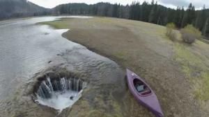 უცნაური ადგილები დედამაიწაზე,სადაც წყალი ქრება