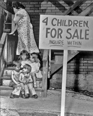 დედამ 4 შვილი გაყიდა- ამბავი ფოტოს შესახებ, რომელმაც მსოფლიო მოიცვა