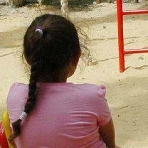 ვოლგოგრადში მშობლები აუპატიურებდნენ 12 წლის გოგონას, რის გამოც 12 წლიდან 20 წლამდე პატიმრობა ემუქრებათ