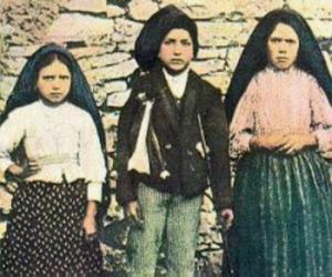 """100 წელი წმინდა მარიამის გამოცხადებიდან-""""ფატიმას სამი საიდუმლო"""""""