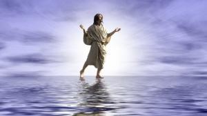 ნიანგმა მღვდელი იმ დროს შეჭამა,როდესაც იგი მოწაფეებს  იესოს წყალზე სვლას აჩვენებდა
