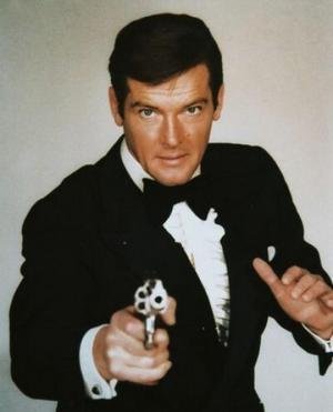 """გარდაიცვალა როჯერ მური-ყველაზე ცნობილი"""" აგენტი 007"""" ჯეიმს ბონდიდან"""