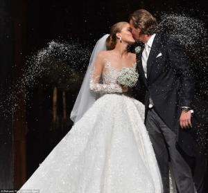 """წლის უმდიდრესი ქორწილი და """" მილიარდიანი ბრენდი""""  - სვაროვსკის მემკვიდრე ვიქტორია სვაროვსკი დაქორწინდა ( + ბევრი ფოტო )"""