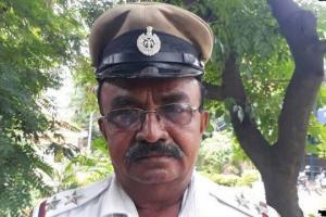ინდოეთში პოლიციელმა პრეზიდენტის კორტეჟი შეაჩერა და სასწრაფო გაატარა(ვიდეო)