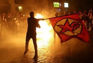 ცეცხლში გახვეული ჰამბურგი-მასობრივი არეულობა G20 სამიტის წინააღმდეგ