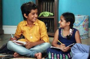 ვინ არიან პატარა ინდოელი მსახიობები, რომლებმაც და-ძმის, რანვის და ვიერას სახეები შექმნეს (+ფოტოები)