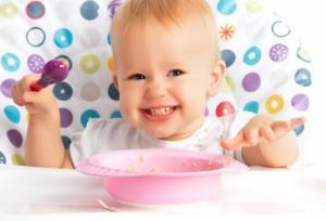 ჩვილი ბავშვების 10 უნიკალური თვისება