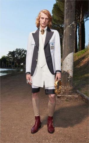 """""""Gucci """"–ის სამოდელო სახლის მიერ წარმოდგენილი მამაკაცების ტანსაცმელი პოზიტიურ განწყობას ნამდვილად შეგიქმნით"""