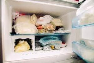 არასოდეს შეინახოთ ეს 6 საკვები პროდუქტი მაცივრის საყინულეში