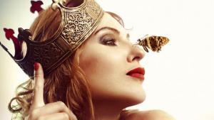 ჰოროსკოპი ქალბატონებისთვის: გაიგეთ რომელი დედოფალი ხართ (დაბადები თვის მიხედვით)