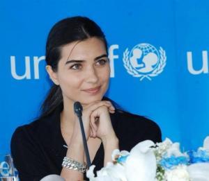 თუბა ბუიუკუსტუნი UNICEF -ის კეთილი ნების ელჩი .....