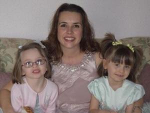 აშშ-ში დედამ 6 წლის ტყუპი გოგონები მოკლა და შემდეგ თავი მოიკლა