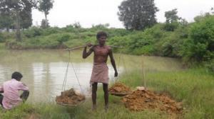 ინდოელმა 27 წელი მოანდომა წყალსაცავის შექმნას თანასოფლელებისათვის, რისი წყალობითაც მთელმა ინდოეთმა გაიცნო