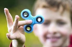 მშობლები და მასწავლებლები განგაშს ტეხენ- თუ თქვენს შვილსაც აქვს სპინერი, ეს უნდა იცოდეთ!