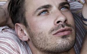 5 მიზეზი თუ რატომ არ უნდა შეიყვარონ ქალებმა ლამაზი მამაკაცი