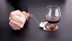 როგორ დავეხმაროთ ალკოჰოლიკს