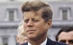 """""""ის მანიაკია, JFK - ას ფაილები გვეუბნება იმის შესახებ, თითქოს საბჭოთა კავშირს ეშინია ბრალი არ დასდონ ჰარვისთან ერთად კენედის მკვლელობაში"""" - ამ სათაურით აქვეყნებს სტატიას ბრიტანული საიტი"""