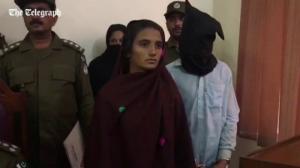 პაკისტანში ახალგაზრდა ქალმა ქმრის ოჯახის 17 წევრი მოწამლული რძით დახოცა(ვიდეო)