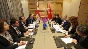 საქართველოს ეკონომიკის მინისტრი თურქეთის ტრანსპორტის, საზღვაო საკითხთა და კომუნიკაციების მინისტრს შეხვდა