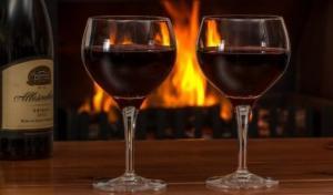 მეცნიერებმა გამოიგონეს ჭიქა, რომელიც წყალს ღვინოდ გადააქცევს