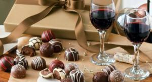 წითელი ტკბილი ღვინისა და შოკოლადის მკურნალი შეხამება