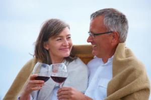 როგორ დავამარცხოთ სიბერე წითელ ღვინოსთან ერთად - წითელი ღვინო სიბერეს აფერხებს