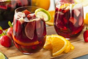 """ყველაზე პოპულარული ესპანური სასმელი """"სანგრია"""" კახური საფერავით"""