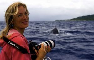 ვეშაპმა ბიოლოგი  ვეფხვისებური ზვიგენისგან იხსნა