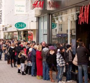 ტანსაცმლის  ცნობილმა ბრენდმა   H&M-მა    ცხრამეტი  ტონა მზა  პროდუქცია  დაწვა. აი, რა იყო ამის მიზეზი