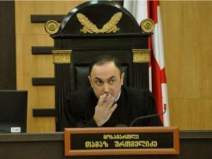 მოსამართლე ურთმელიძე რუსთავი 2-ს საეთერო დროის დათმობას სთხოვს