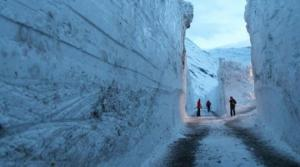 7 მეტრის სიმაღლის თოვლი და გახიზნული ტურისტები!