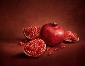 ბროწეული-სასრგებლო ნივთიერებათა საბადო და ხილი,რომელიც უამრავი დაავადებისგან გვიცავს