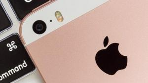 """""""აიფონის"""" ფანებო, ყურადღებით!!! რას ნიშნავს  iPhone -ის პირველი """"i"""" ასო?"""