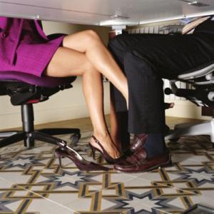 სამსახურეობრივი რომანი-შემთხვევითი კავშირები სამუშაოზე
