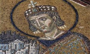 როდის და რატომ გადავიდა სატახტო ქალაქი რომიდან კონსტანტინოპოლში?