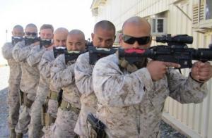10 ფოტო, რომელზეც ჯარისკაცები გვიჩვენებენ რომ არაჩვეულებრივი იუმორის გრძნობა აქვთ