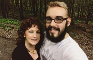 """19 წლის ბიჭი 72 წლის მოხუცზე:""""ალმედა საოცარი  საყვარელია"""""""