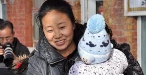 მილიონერი ქალი,რომელმაც 118 ბავშვი იშვილა ეჭვმიტანილია ბავშვების მოტაცებაში