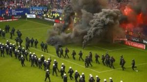 რა მოხდა ჰაბურგის სტადიონზე როდესაც გუნდი ბუნდესლიგიდან დაქვეითდა