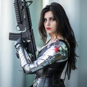 როგორი იქნებოდა პოპულარული კინო გმირები ქალების შესრულებით?