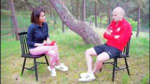 პოლონელმა ფეხბურთელმა ერთი დარტყმით ჟურნალისტი გადაარჩინა(ვიდეო)