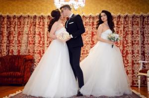 არაჩვეულებრივი შურისძიება:მოტყუებული ქალი საყვარლის ქორწილში პატარძლის კაბით გამოცხადდა(ვიდეო)