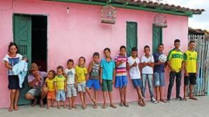 ბრაზილიელ წყვილს 13 ვაჟი ჰყავს, მაგრამ ქალიშვილისთვის კვლავ წვალობენ...